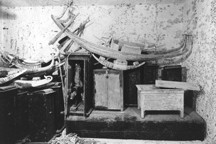 Kamer met grafgiften uit de de tombe van Tutankhamun.