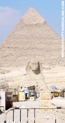 Sphinx voor de Grote Piramide in Giza.