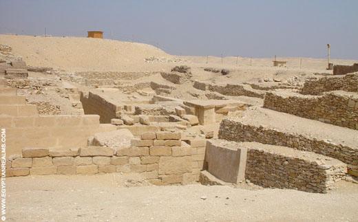 Restanten op het terrein van Saqqara.