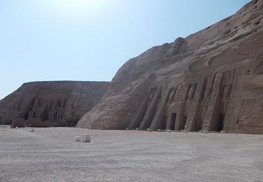 Tempel van Ramses II en Nefertari te Abu-Simbel.