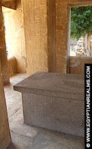 Altaar in de Witte Kapel van Senusret I.