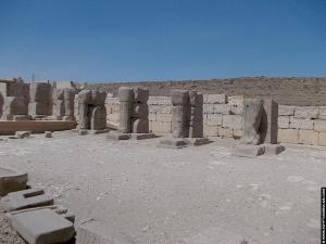 Beelden van de tempel van RamsesI