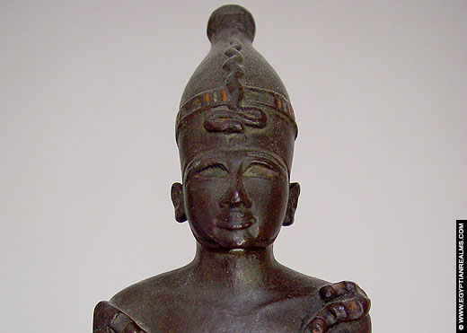 Beeldje van Osiris. Copyright EgyptianRealms.com