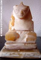 Replica beeld van Egyptische Sphinx.