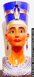 Beeld van oud-Egyptische koningin Nefertiti. Copyright R.Bloom