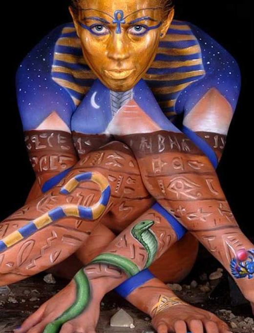 Egyptische bodypaint.