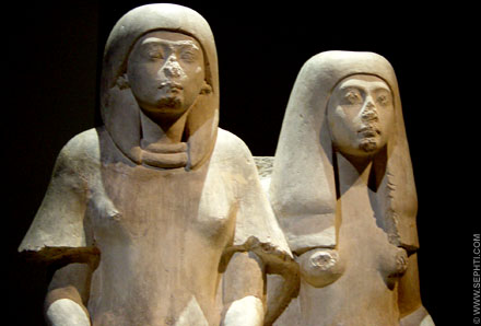 Egyptisch beeld van een echtpaar.