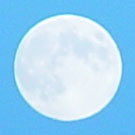 Maan overdag.