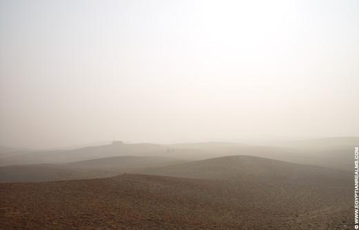 Egyptische woestijn in de morgen.