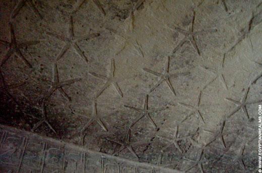Sterren op een plafond van een oud-Egyptische tombe.