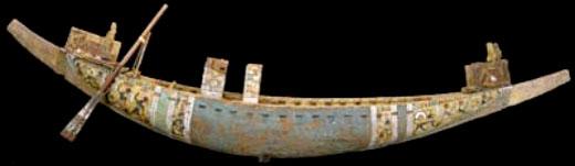 Schaalmodel van een Egyptische boot.