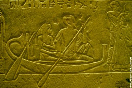 Man en vrouw op Papyrusboot.
