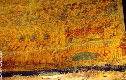 Beschildering van een sarcofaag kist.