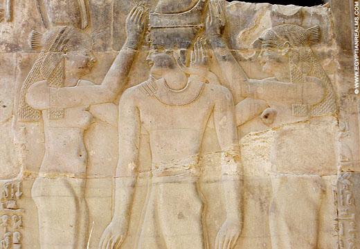 Relief van faraoh in de Kom-Ombo tempel. Copyright egyptianrealms.com