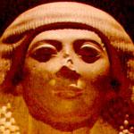 Gezicht van een beeld uit het oude Egypte.