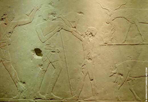 Oud-Egyptisch relief van een geit.