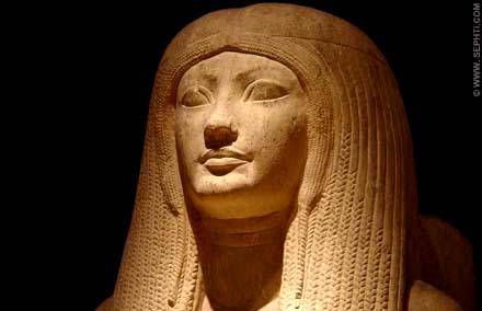 Prachtig beeld van een dame met haardracht genaamd Meryt.