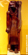 Priester met zuil van Amun.
