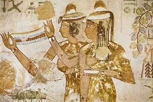 Oud-Egyptische dame met een halssnoer.