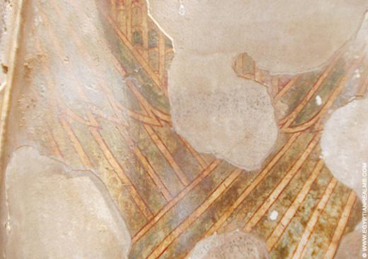 Detail van een oud-Egyptisch relief met oorspronkelijk stucwerk.
