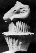 Ramskop op een Lotusknop, symbool voor oprijzing.