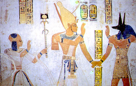 Duamutef en Pharaoh hand in hand.