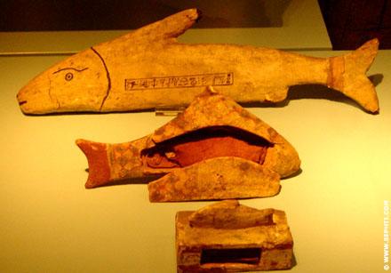 Egyptische modellen van vissen.