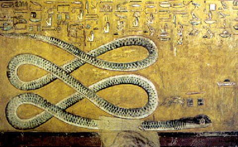 De grote slang Apep afgebeeld op een muur.