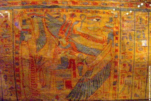 Beschildering op Egyptische sarcofaag.