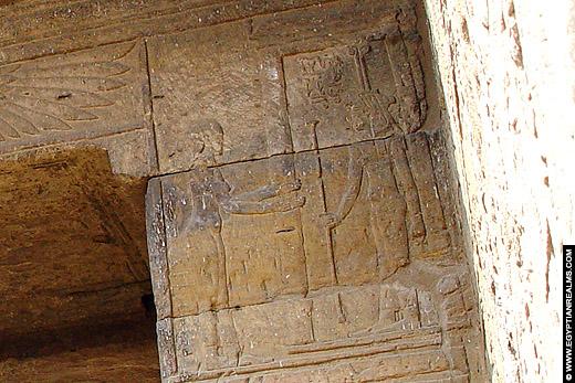 Anit afgebeeld in de tempel van Al Tud.