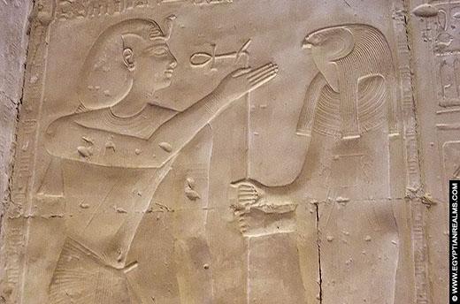 Seker afgebeeld in de Abydos Tempel.