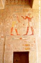 Doorgang in de Tempel van Hatjepsut.