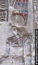 Relief in de Isis Tempel.