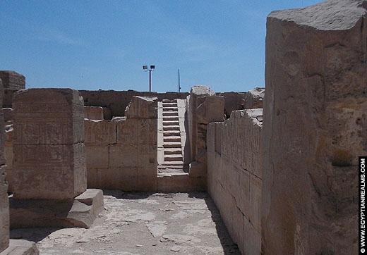 Trap in de tempel van Ramses I.