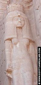Nefertari afgebeeld op de Tempel van Ramses II te Abu-Simbel.