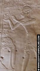 Relief van Seti I voor het heiligdom van Osiris.