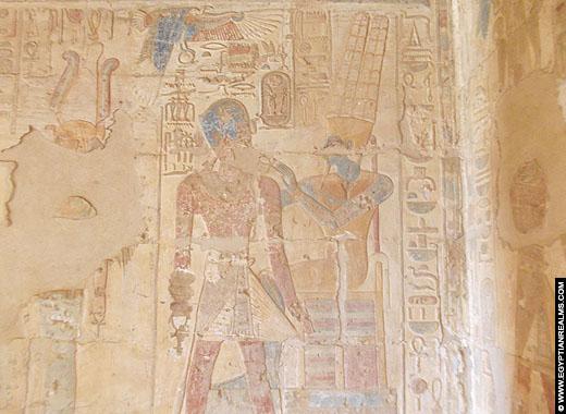 Relief van Amenhotep III in de Nekhbet Tempel te El-Kab.