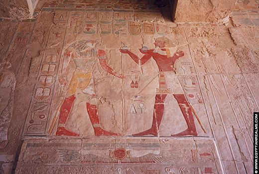 Relief in de tempel van Hatjepsut.