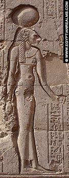 Relief van de leeuwin Menhit op de Esna Tempel.