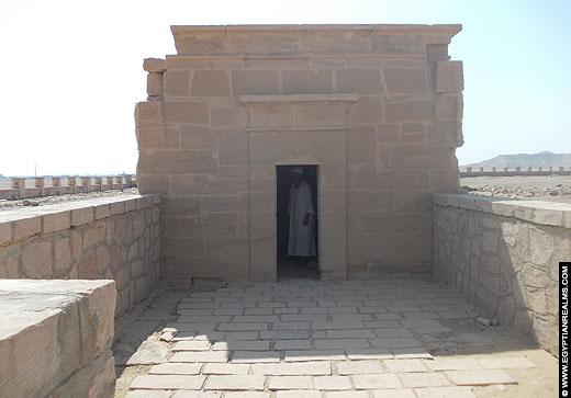 Kleine kapel van Nekhbet bij El-Kab.