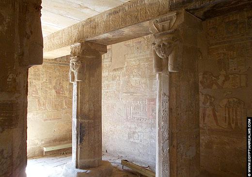 Architectuur van de Nekhebet tempel te El-Kab.