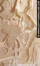 Relief van Nekhebet in de kleine kapel van El-Kab.
