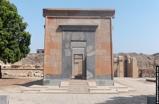 Rode Kapel van Hatjepsut bij de Karnak Tempel.