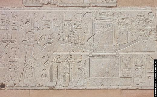 Relief in de Rode Kapel van Hatjepsut. Copyright EgyptianRealms.com
