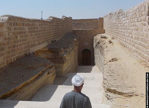 Ingang van het Serapeum in Saqqara.