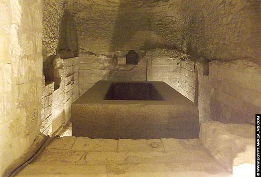 Sarcofaag in het Serapeum.