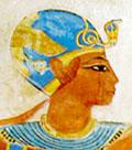 Pharaoh met blauwe kroon op het hoofd.