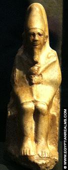 Beeldje van Farao Ninetjer in het RMO Leiden.