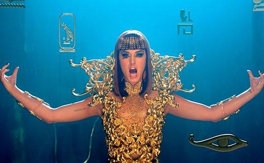 Muziek clip in Egyptische stijl van Katy Perry.