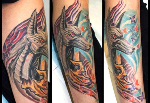 Tattoo van Anubis. Copyright Uga Tattoo.